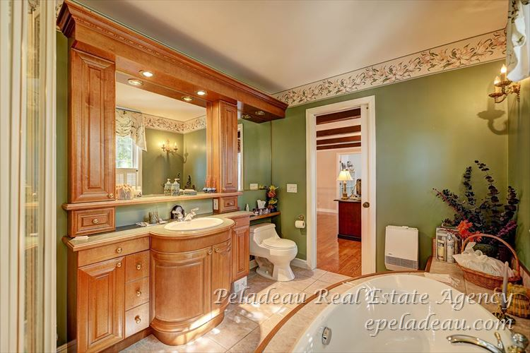 Bathroom2 view2