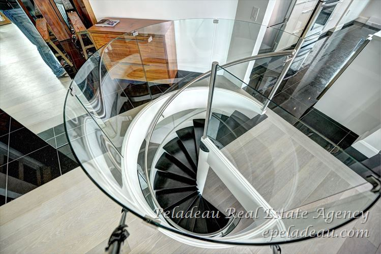 Staircase view3